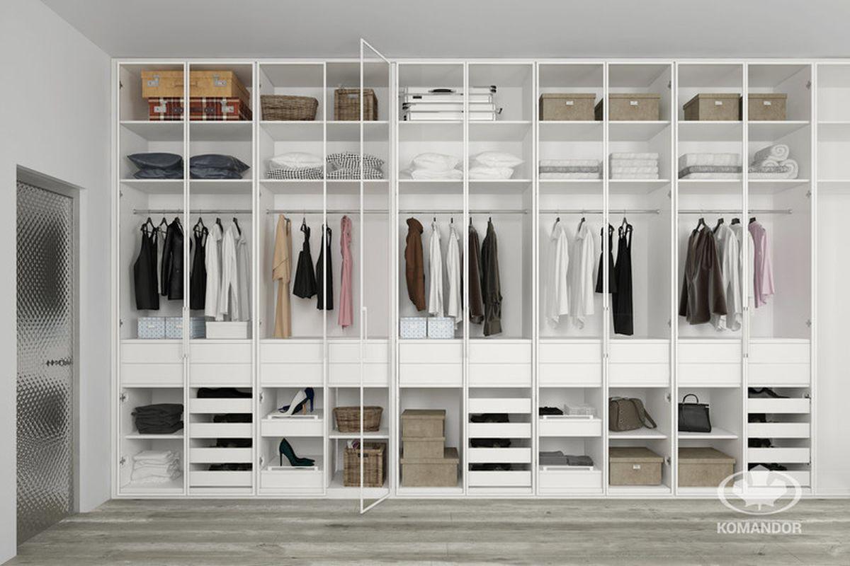 Ciekawy pomysł na szafę na wymiar - organizacja swoich ubrań.